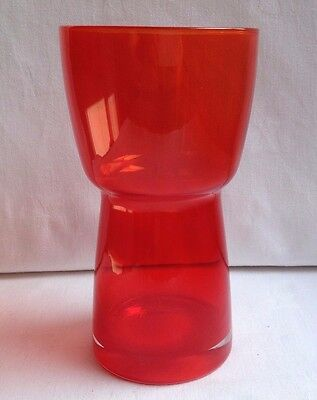 RIIHIMAKI  Red Art Glass Vase • 25£