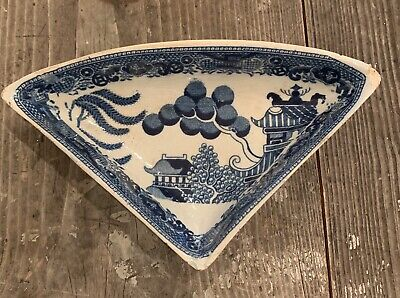 19th Century Antique Pottery Blue & White Willow Pattern Triangle Dish Pickle • 10£