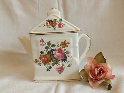 Pretty Vintage Pink Rose Chintz Design Small Tea Pot For One Person • 5£