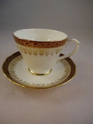 Duchess Winchester Tea Cup & Saucer Bone China Red Gold Vintage British • 12.99£