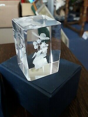 Glass Butterfly On Strawberry Plant Paperweight. Boxed • 1.99£