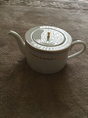 Marks And Spencer Teapot • 15£
