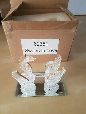 Lovely Small Decorative Glass Swans In Love Ornament • 7£