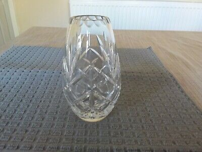 Edinburgh Crystal  Vase 5 1/4  Tall • 8£