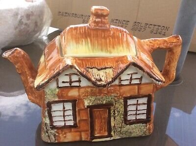 Price Brothers Teapot Cottage • 5£