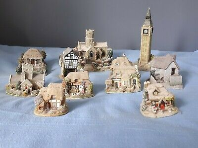 10 Lilliput Lane Cottages. Some Small Damage To A Couple Of Them. • 50£