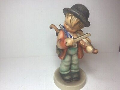 HUMMEL GOEBEL THE LITTLE FIDLER  4.75 Inches  APPROX IN HEIGHT  • 5.50£