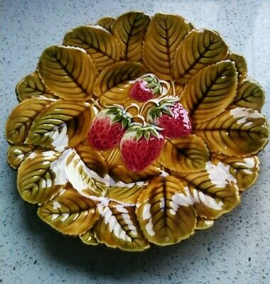 Vintage Sarreguemines 24.5cm French  Faience / Majolica Plate Strawberries  • 15.50£