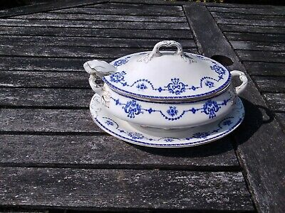 Vintage  John Maddock  & Sons Royal Vitreous  Sauce Dish' With Lid And Spoon • 4.99£