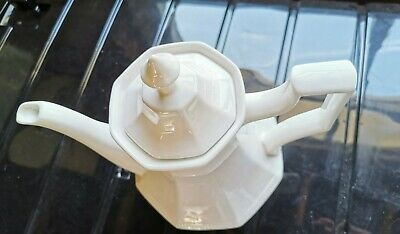 Off White Tall Porcelaine Coffee Teapot • 2.80£