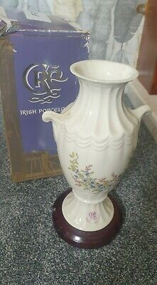 Irish Porcelain Vase • 7£