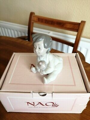 NAO By Lladro 01073 Baby Boy With Bottle. Immaculate Condition • 20£