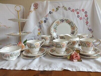 Beautiful Vintage Paragon Country Lane Wild Flowers 22 Piece Tea Set+ Cake Stand • 39.99£