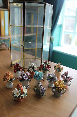 Franklin Mint Ltd 'Flowers Of The Year Porcelain Miniature Collection' & Vitrine • 239£