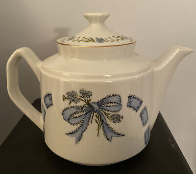 1980 Enesco Mary Mugg Forget-me-nots And Ribbons Teapot 32 Oz Blue Floral • 28.94£