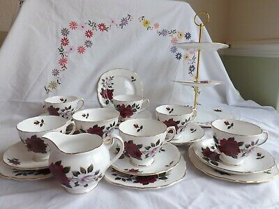 Beautiful Vintage Colclough Amoretta Red Rose 20 Piece Tea Set Inc Cake Stand • 24.99£