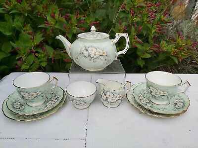Aynsley Daisy Pattern 2893 Pale Green Tea For Two • 110£