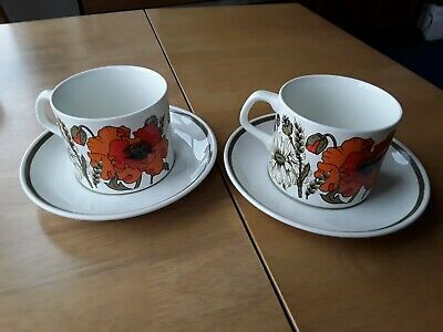 J & G Meakin 'poppies' 1970's Retro Tea Cups With Saucers X 2 Excellent Cond • 7£