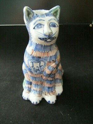 17th Century British Delftware Cat V&A Reproduction - Dated 1676 • 30£
