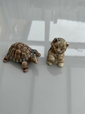 Wade Porcelain Tortoise And Cat With Stamp . • 5£