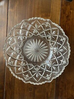 Beautiful Vintage Clear Pressed Glass Fruit, Serving Bowl, Very Good Condition • 15£