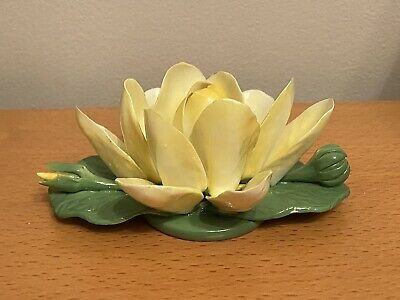 Fine Bone China Crown Staffordshire Lily Pads Delicate Ornament Very Good Cond • 8£