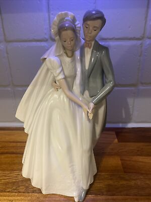 NAO By LLADRO Bride And Groom Wedding Couple Figurine - Unforgettable Dance 1247 • 40£