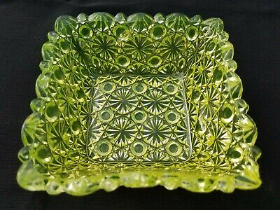 EAPG Hobbs Brockunier Glass Vaseline Canary Daisy And Button Square Berry Bowl • 25.56£