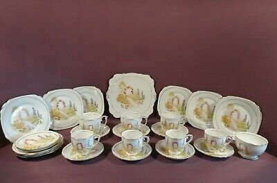 Roslyn Fine Bone China, Part Tea And Coffee Set, Pattern 8504, 27 Pieces • 55£