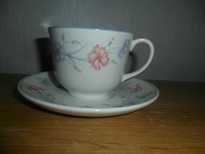 Boots Carnation Cups And Saucers X 4  • 20£