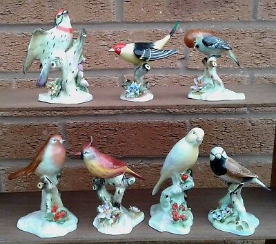 ROYAL ADDERLEY FLORAL - SELECTION OF FIGURINES Of BIRDS On TREE STUMPS . • 14.99£