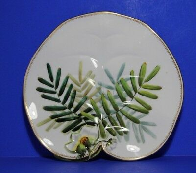 George Jones  Hand Painted Water Lily Leaf Shape Plate Pattern 4805  C1861- 1872 • 55.99£