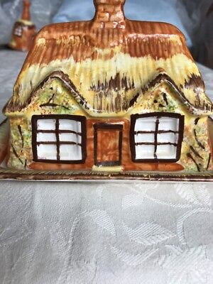 VINTAGE STAFFORDSHIRE POTTERY COTTAGE WARE Butter Dish • 7.50£