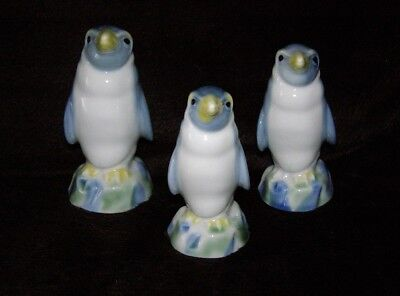 Full Set Of Wade Penguin Family Decanters With Stoppers • 35£