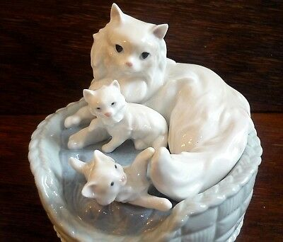 LLADRO 6652 Kitty Care Mother Cat & Kittens In Basket Rare Collectable Figures • 87.99£