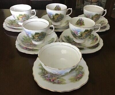 """17 Pieces Of Royal Vale """"Country Cottage Garden"""" Tea Set. • 32.50£"""
