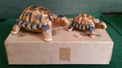 2 Boxed Wade Tortoises (Mother And Baby) • 6.50£