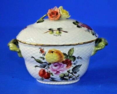 HEREND Porcelain, Hand Painted Trinket / Sugar Box. 5.4  Wide • 89£
