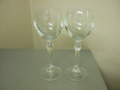2 Lovely Garland And Urn Decorated Wine Glasses • 8£