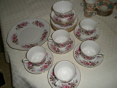 25 Piece Queen Anne (white With Pink Rose Pattern )set Of China/porcelain • 20£