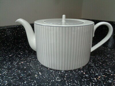 Marks And Spencer Hampton Teapot • 25£