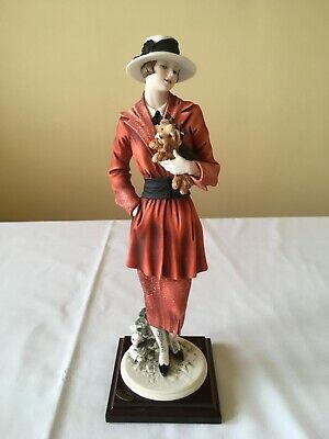 Guiseppe Armani Florence 'Chilly' Figurine 2000 (Lady With Small Dog) • 100£