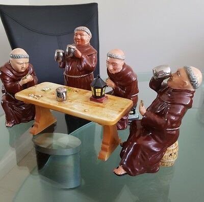 VINTAGE SET Of BRETBY 'JOVIAL' MONKS PLAYING CARDS AROUND A TABLE.1950's • 55£