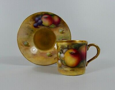 Royal Worcester Fruit Coffee Can & Saucer. A.G. Moseley, Dated 1925. • 104£
