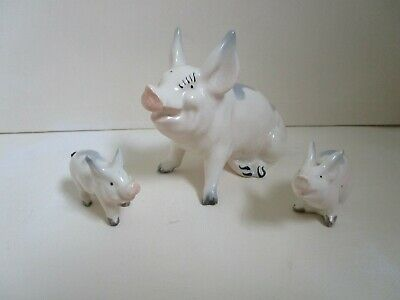 Beswick Pig With Two Piglets - Models 832, 833, 834 • 18£