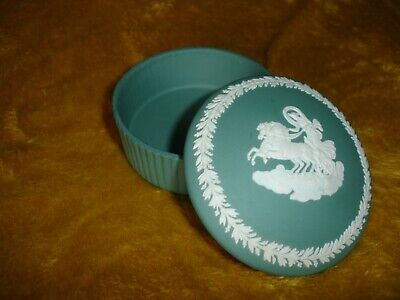 Wedgwood Jasperware Teal Turquoise Green Aurora In A Chariot Fluted Trinket Box • 8.17£