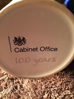 Commemorative Mug   The London Cabinet Office  100 Years   • 49.99£