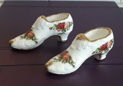 Royal Albert Old Country Roses Ornamental Pair Of Shoes  • 4.99£