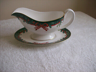 Mint Condition Royal Worcester Holly Ribbons (green) Large Sauce Boat And Tray • 26£