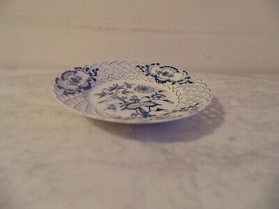 Blue And White Reticulated Meissen Plate. • 19.99£